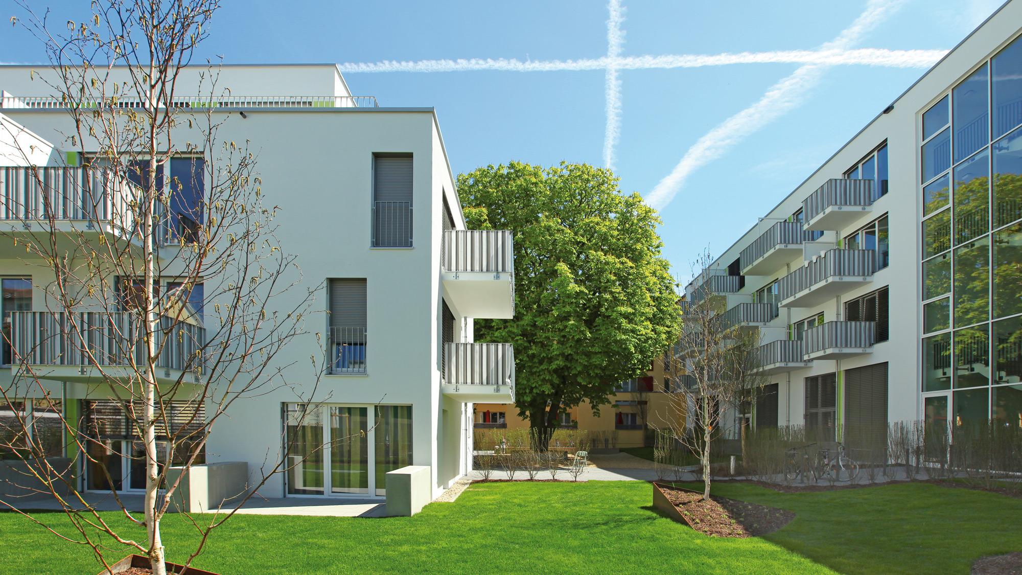 Neubauprojekt studiosus 2 in Regensburg - Hofansicht der Wohnanlage mit Lifestyle-Apartments in zentraler Lage