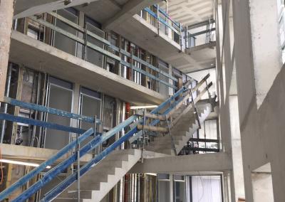 Blick ins Treppenhaus 1 vom Concierge aus